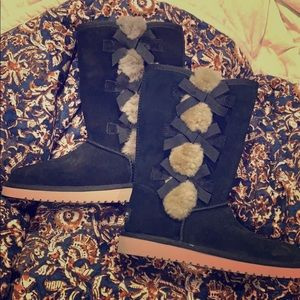 Black fuzzy UGG Boots